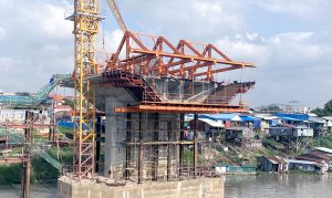 新水净华大桥项目挂篮系统安装